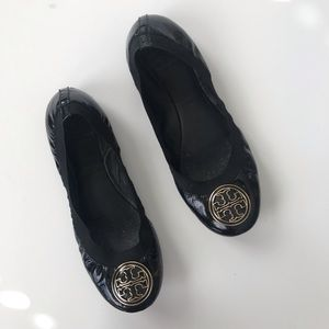 Tory Burch black scrunch emblem flats